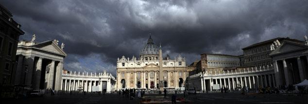 Dunkle Wolken über dem Vatikan: Darf der Papst dazu schweigen? (Foto:pa/AP Photo/Gregorio Borgia)