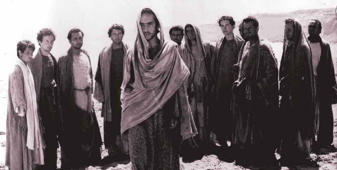 Jesus und die Zwölf glaubten an ein baldiges Weltende und Gericht Gottes: Aus Pasolinis Film »Das Evangelium nach Matthäus« (Foto: Photo 12 / Alamy Stock Photo)