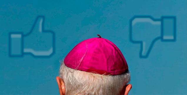 Do you like the German Bishops? Daumen rauf, Daumen runter: In den sozialen Netzwerken des Web 2.0 wird anders diskutiert, als es sich die Bischofskonferenz in ihren schlimmsten Träumen ausmalt. (Montage; Foto: pa/dpa/Arno Burgi)