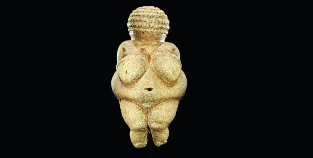 Weiblich: Die »Venus von Willendorf« ist etwa 30 000 Jahre alt (Foto: pa/Neubauer)