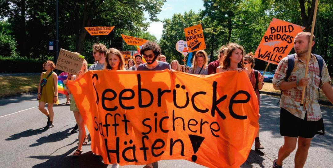 Städtebündnis für Flüchtlinge: In 120 Kommunen in Deutschland setzen sich, wie hier in Köln, engagierte Bürger für Menschen ein, die aus Seenot gerettet wurden(Foto: Seebrücke Köln)
