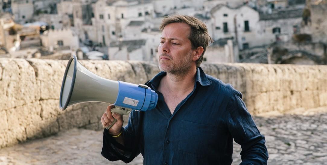 Der Unruhestifter: Milo Rau ist Atheist, Aktivist und Kommunist – und hat die Passion Christi neu verfilmt (Foto: Cipriano/redux/Laif)