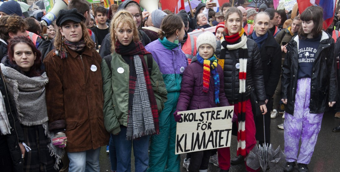 Kinder klagen an (hier mit Greta Thunberg in Belgien) (Foto:pa/Landemard)
