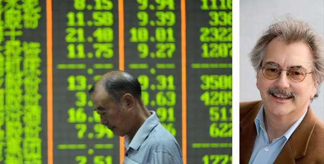 Die Börse in China ist ein Ort mit zentraler Bedeutung für Spekulanten. »Sollte sie aber nicht sein«, findet Publik-Forum-Chefredakteur Wolfgang Kessler (rechts). (Foto: pa/Shan He)