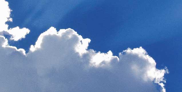 Was verbinden Menschen mit dem Himmel? Dieser Frage geht das neue Publik-Forum EXTRA nach (Foto: photocase.de/Uarewhatulove)