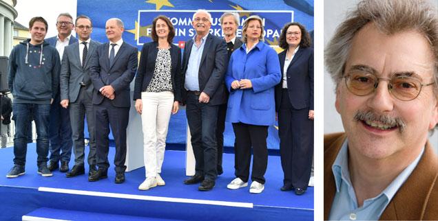 Kevin, ganz links im Bild: Beim Europawahl-Auftakt der SPD am 3. Mai vor dem Staatstheater in Saarbrücken legte die Aufstellung (un)freiwllig die  Lage der Partei offen. Der Juso-Chef hatte im Vorfeld für massive Unruhe gesorgt. (Foto: pa/BeckerBredel)