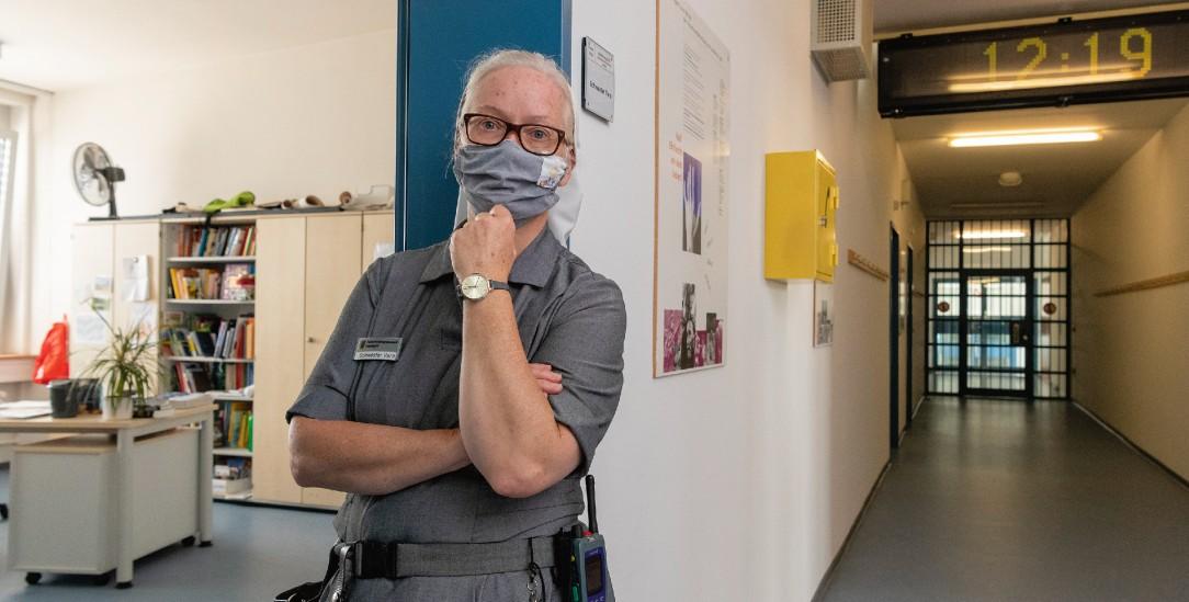 Stuttgart-Stammheim: Franziskanerin Vera Perzi ist zusammen mit einer Kollegin und zwei Kollegen Seelsorgerin für 800 Männer in der JVA. (Foto: Sascha Baumann)