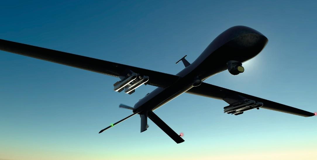 Bewaffnete Drohnen: Helfen sie, Soldatinnen und Soldaten zu schützen oder werden Kriege dadurch immer mehr ausgeweitet? (Foto: istockphoto/posteriori)