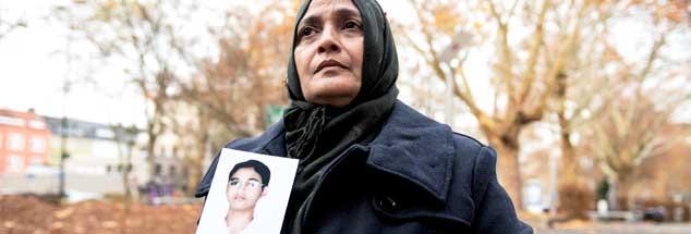 """Saeeda Khatoon in Dortmund: """"An jenem schrecklichen Tag stand ich vor der Haustür und wartete auf meinen 18 Jahre alten Sohn. Doch er kam nicht."""" (Foto: pa/Thissen)"""