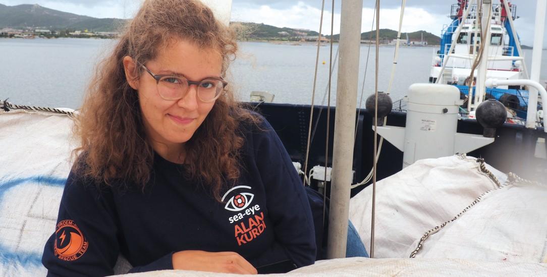 Kochte für Crew und Gerettete: Die Studentin Vera Scheuermeyer an Bord der Alan Kurdi (Foto: Vera Scheuermeyer)