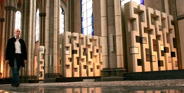 Ein Gotteshaus für die Toten: In der umgewidmete Kirche St. Josef in Aachen werden heute Urnen beigesetzt (Foto: pa/Carstensen)
