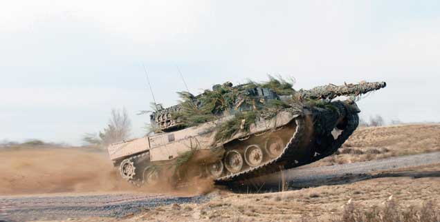 Leopard 2-Panzer: Mit dem Segen der Kanzlerin exportiert (Foto: pa/Krauss-Maffei Wegmann)