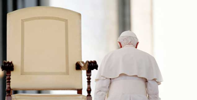 Und wenn der Stuhl Petri frei bliebe? Was dann? Der Theologe und Philosoph Christian Modehn fordert: Der nächste Papst sei der letzte. (Foto: pa/Borgia)