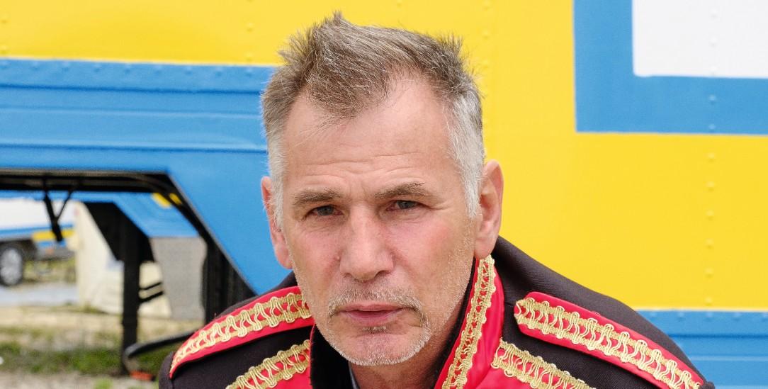 Hofft auf eine bessere Zukunft nach Corona: Ludwig Neigert, der Direktor des Zirkus Amany (Foto: Petersen)
