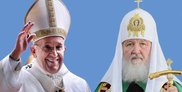 Papst Franziskus (links) und Patriarch Kyrill (rechts): Treffen auf neutralem Boden, am Flughafen von Havanna. (Fotos: pa/Spaziani; pa/Pyatakov)