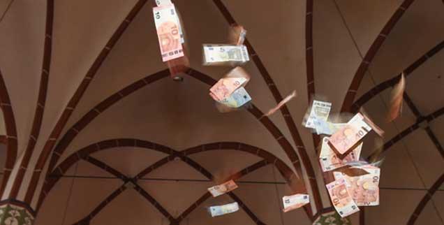 Das Geld zum Fenster herauswerfen? Oder mit ihm wirtschaften, aber bitte mit Gewissen und Professionalität? Die katholischen Bischöfe führen darüber Krisengespräche nach mehreren Finanzskandalen. (Foto: kna/Oppitz)