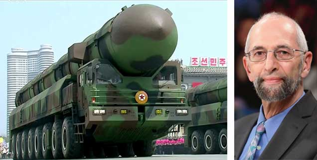 Militärparade in Nordkorea: Wie gelingt es der Diktatur, Embargos für militärisch nutzbare Güter zu umgehen? Sicherheitsexperte Erich Schmidt-Eenboom weiß Antwort (Fotos: pa; pa/Eventpress Stauffenberg)