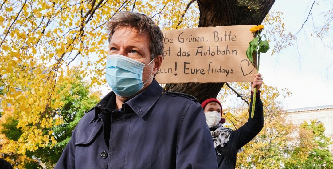 Aktivistin übt Kritik an Grünen-Chef Robert Habeck (Foto: PA/DPA/Annette Riedl)