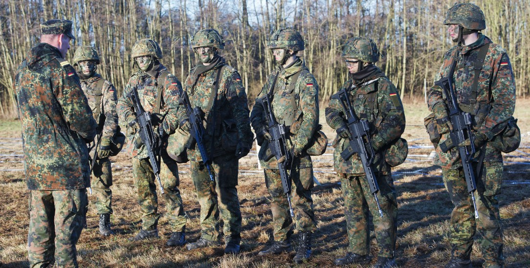 Soldaten der Bundeswehr in der Grundausbildung(Foto:pa/Sauer)
