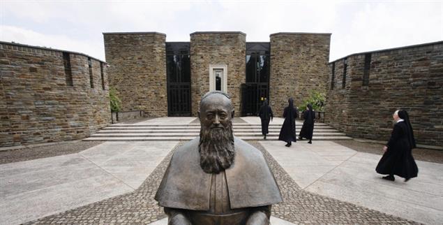 Verehrt: Statue von Josef Kentenich in Vallendar (Foto: pa/Frey)