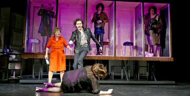 Theater Dortmund: Es geht mitunter ruppig zu (Foto: Theater Dortmund/Hupfeld)