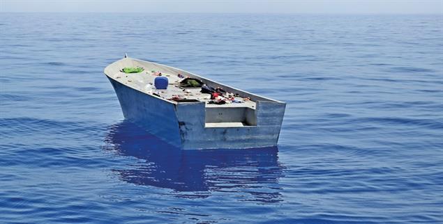 Kamen die Retter zu spät? Verlassenes Holzboot auf dem Mittelmeer. (Foto: PA/Daniel Kubirski)