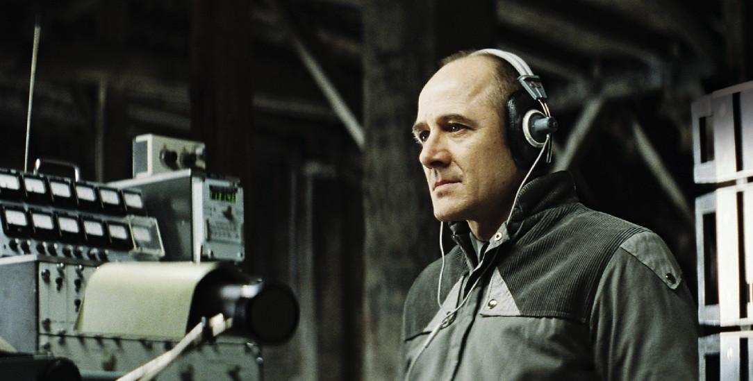 Der Staat hört mit: Szene mit Ulrich Mühe aus dem Film »Das Leben der Anderen« (Foto: pa/Buena Vista)