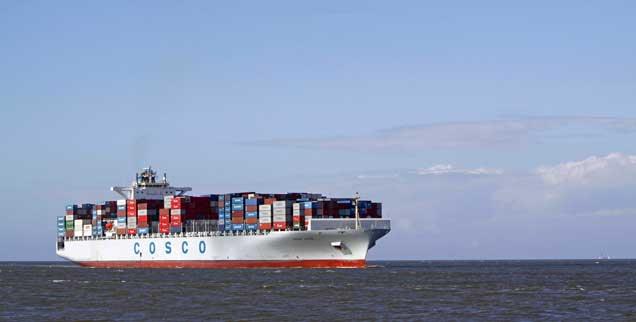 Containerschiff auf der Nordsee: Bald unterwegs auch in Sachen Freihandel zwischen den USA und Europa? Wolfgang Kessler sieht im geplanten Abkommen TTIP keine Fairness am Werk. (Foto: pa/McPhoto)