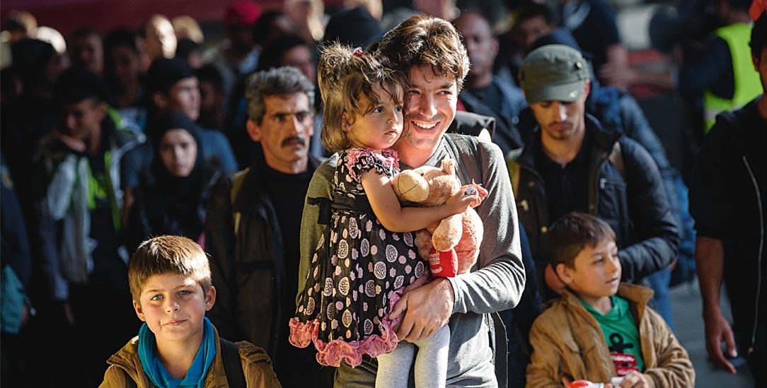 Am Anfang war die Willkommenskultur: Flüchtlinge kommen 2015 in München an – inzwischen ist die Behauptung vom Rechtsbruch zum »Treibsatz für rechtspopulistische Bewegungen« geworden (Foto:pa/dpa/Nicolas Armer)