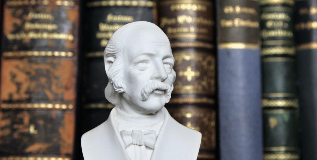 Lächelnde Skepsis, paradoxer Trost: In jedem Roman von Theodor Fontane steckt Lebensweisheit (Foto: pa/Woitas)