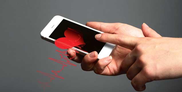 Viel mehr als ein Telefon: Wer ein Smartphone besitzt, kann Gesundheits- und Fitness-Apps nutzen. (Foto: 123rf.com/belchonock)
