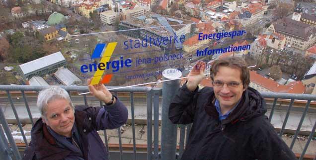 Die Genossenschaftsgründer Reinhard Guthke (links) und Martin Berger mischen sich in die Geschäftspolitik der Jenaer Stadtwerke ein. (Foto: Sommer)