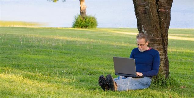 Professionelle Isolation: Wer nur zu Hause arbeitet, läuft Gefahr, den Anschluss zu verlieren (Foto: istockphoto: JackJM)