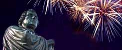 Das Refomationsgedenken 2017 ist in mancher Hinsicht einzigartig, erstmals wird der Reformation freundlich und ohne Hass gedacht (Fotos: pa/Reichel; istockphoto/dovapi)