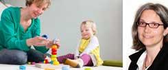 Mutter mit kleinem Kind daheim: 150 Euro Betreuungsgeld waren schon immer lächerlich, findet Andrea Teupke (rechts): »Die Krippe für alle ist aber auch keine Lösung.« (Fotos: cicisbeo/Fotolia; privat)