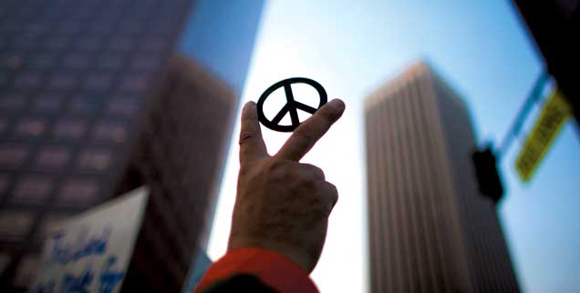 Die Kritik der Occupy-Bewegung an Banken und Politikern wird von Mitte der Gesellschaft geteilt, das könnte sie weiter wachsen lassen  (Foto:pa/Gibby)