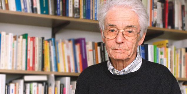 Horst-Eberhard Richter: »Warum rafft sich das Volk nicht zum Widerstand auf?«
