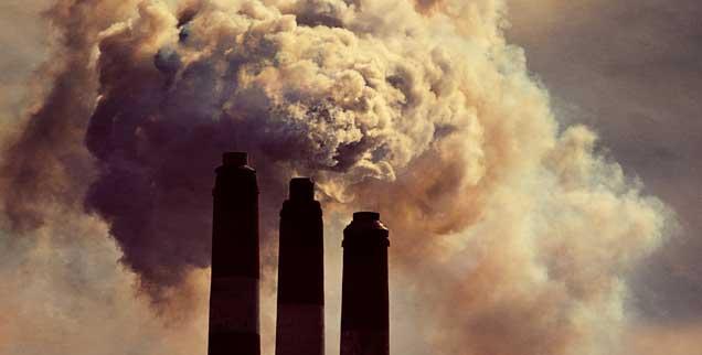 Die Klimaveränderungen zeigen, dass es geboten wäre, die Kohlendioxidemissionen drastisch zu senken und Kohlekraftwerke rasch abzuschalten, doch SPD und CDU wollen sich damit Zeit lassen (Foto: istockphoto/Shaun Lowe)