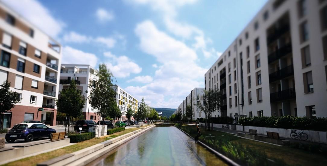 Die Passivhaussiedlung in der Bahnstadt ist ein neuer Stadtteil von Heidelberg, entstanden auf dem Gelände des ehemaligen Güterbahnhofs (Foto: Christoph Pueschner / Zeitenspiegel)