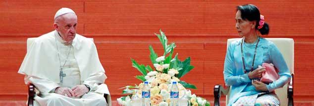 Papst Franziskus bei Aung San Suu Kyi: Den herrschenden Militärs hätte öffentliche Kritik an der Regierungschefin gefallen. (Foto:pa/ap/Aung Shine Oo)